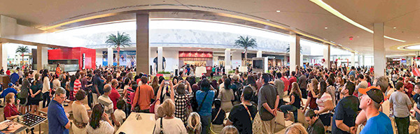 crowds gather for Carlo's Bakery opening in Florida Mall